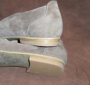 Установки набоек на светлые каблуки