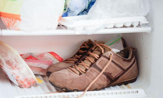 убрать неприятный запах обуви
