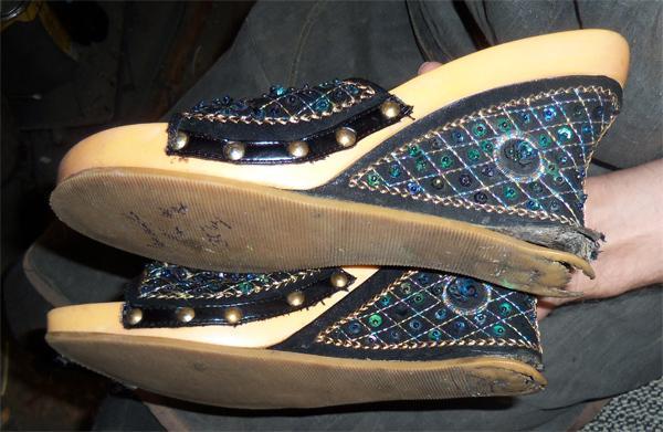 Проблемы обуви на платформе с литой цельной подошвой обтянутой тканью