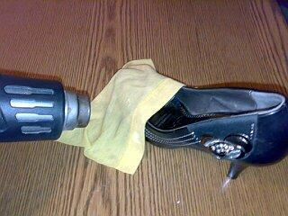 растянуть обувь из кожезаменителя