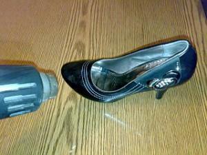 Растянуть обувь из кожзама